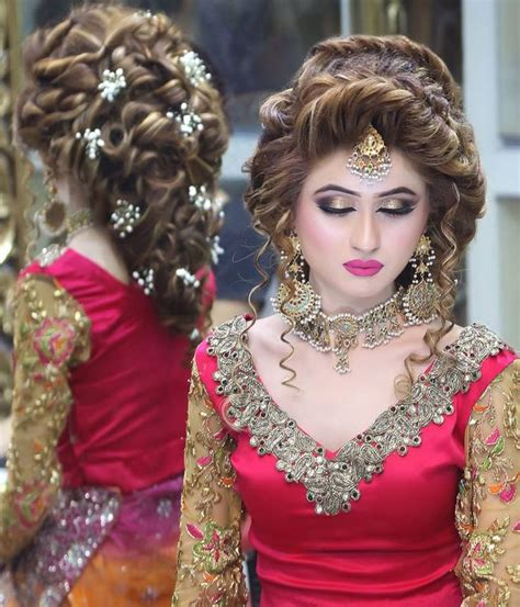 ideas of kashees makeup and hairstyle pictures for brides 2017 17 best ideas about mehndi hairstyles on pinterest