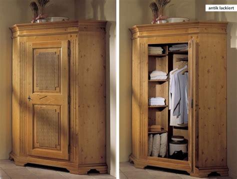 möbel braun kleiderschrank farbkonzept wohnzimmer gr 252 n