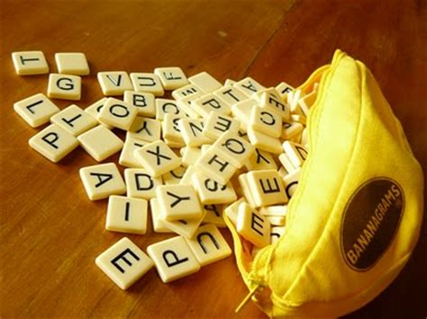 banana scrabble review bananagrams is like scrabble that doesn t take