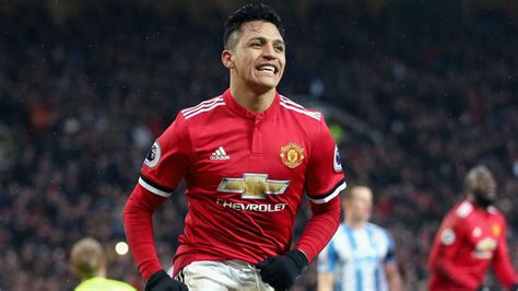 alexis sanchez to manchester united alexis s 225 nchez manchester united boast shirt sale record