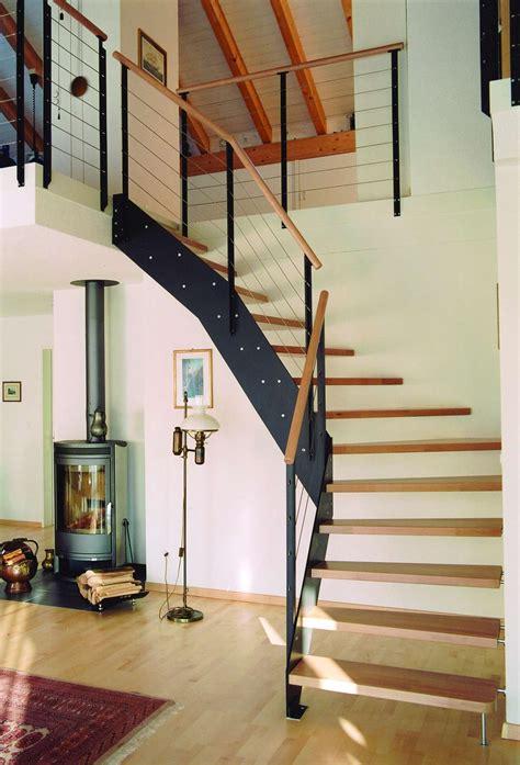 treppe zum spitzboden arcus treppen stahltreppen treppen aus holz und stahl