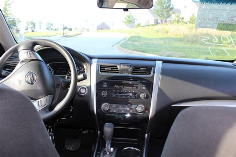 Nissan Altima 2014 Interior by 2014 Nissan Altima Pictures Cargurus