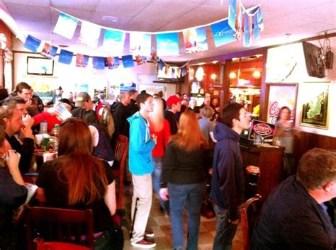 top of the hill bar and grill 1000 images about march madness best places to watch on