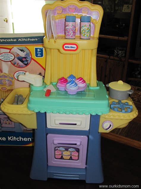 25 Crazy Dayz Sponsor Spotlight Little Tikes Cupcake Tikes Cupcake Kitchen