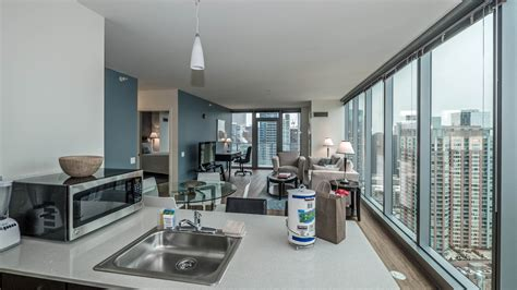 three bedroom apartments chicago chicago apartment review coast 345 e wacker dr new east side