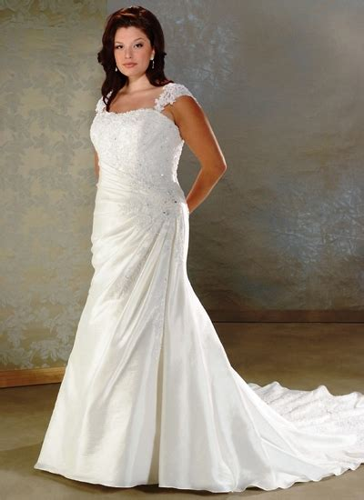 Womens Plus Size Wedding Dresses by Be Style Icon With Plus Size Designer Clothing Designer