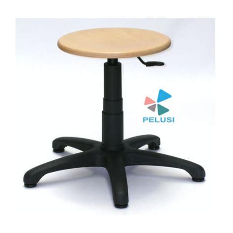 produzione sgabelli sedie e sgabelli pelusi produzione macchine per orafi