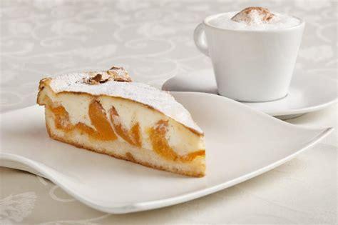cafe und kuchen caf 233 kaffee und kuchen in innsbruck orangerie innsbruck