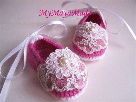 Sepatu Baby Fuschia 3 lace beaded fuchsia wool crochet baby booties size from