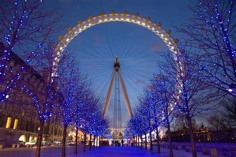 file london eye twilight april 2006 jpg 维基百科 自由的百科全书