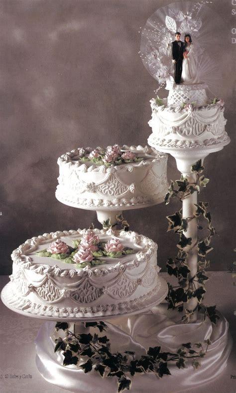 Best 25  Tiered wedding cakes ideas on Pinterest   4 tier