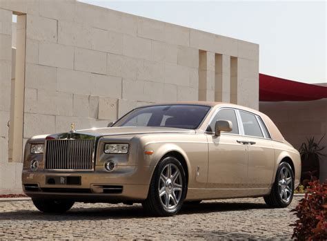 roll royce brown rolls royce phantom abu dhabi edition extravaganzi