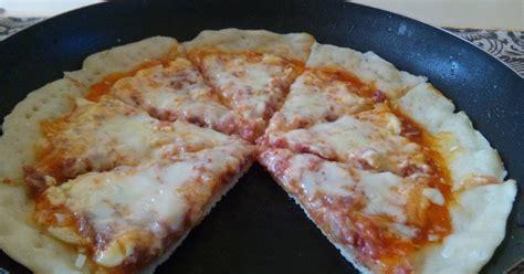 cara membuat pizza goreng 16 resep cara membuat pizza menggunakan teflon enak dan