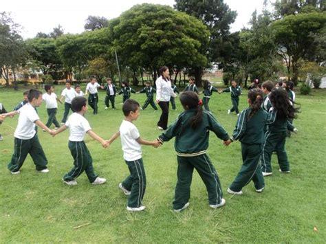 imagenes de niños jugando una ronda rondas infantiles juegos tradicionales para fiestas