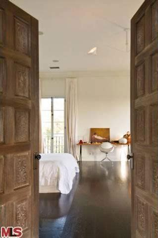 perrys bathrooms katy perry russell brand sell their home in la for 3