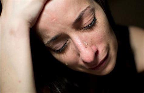 imagenes de una xica llorando 5 razones por las que la gente que llora mucho es fuerte