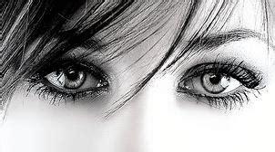 imagenes de ojos tristes con lagrimas variantes de la lluvia en gris