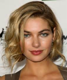 bobs of the 90s hairstyles jessica hart hairstyles 90 s is back trendy hairstyles