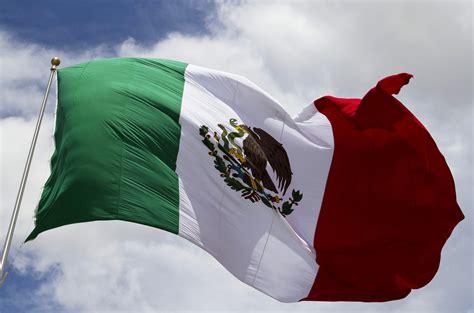 imagenes de las banderas historicas de mexico la bandera nacional siempre la misma pero diferente el