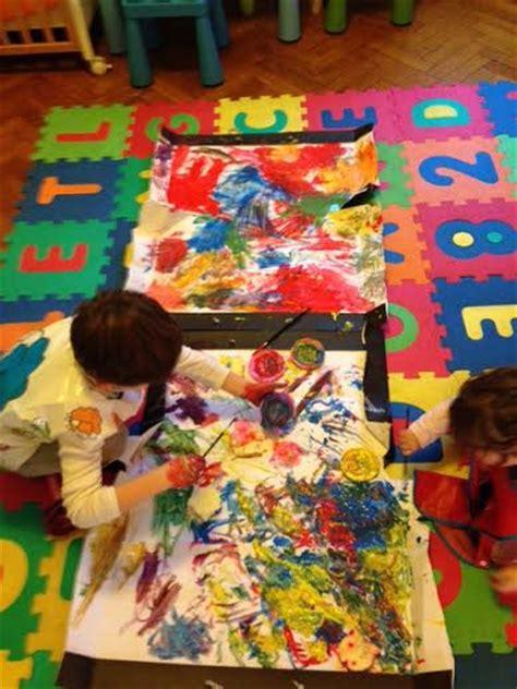 Dipingere Bambini by Dipingere Con I Bambini Due Piccoli Artisti Al Lavoro