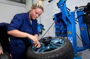 bmw auto mechanic apprentice