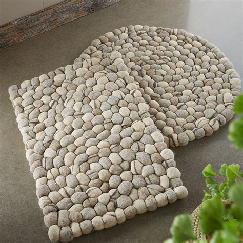 felted rugs felted wool pebble rugs so that s cool