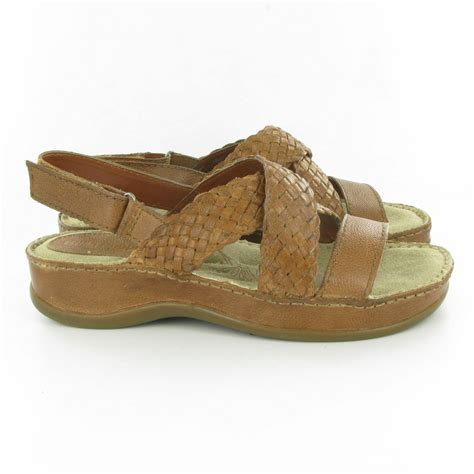 what is hush puppies hush puppies ceylon sandals in brown