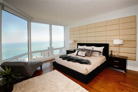 trump tower chicago  bedroom condos  sale