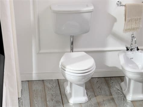 wc con cassetta esterna wc con cassetta esterna collezione impero by olympia ceramica