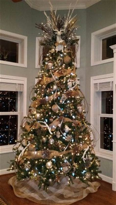 decrating a christmas tree with very thincurly ribbon 30 gorgeous tree decorating ideas you should try this year