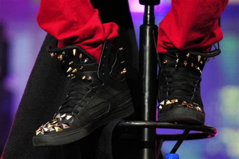 justin bieber shoes for justin bieber images bieber look my shoes hd wallpaper and