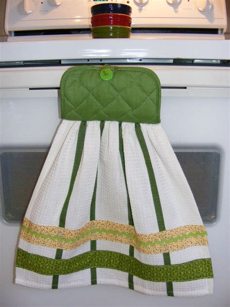 How To Make Towel Decorations by Simple Things Sweet Semi Kitchen Towel Gift