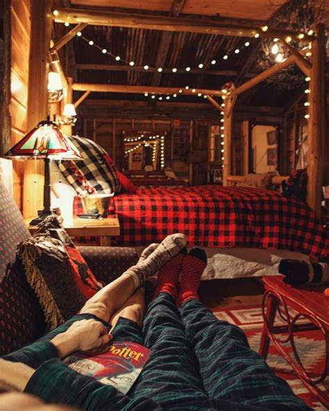 rustic and cosy cabin decor panda s house best 25 cozy cabin ideas on pinterest