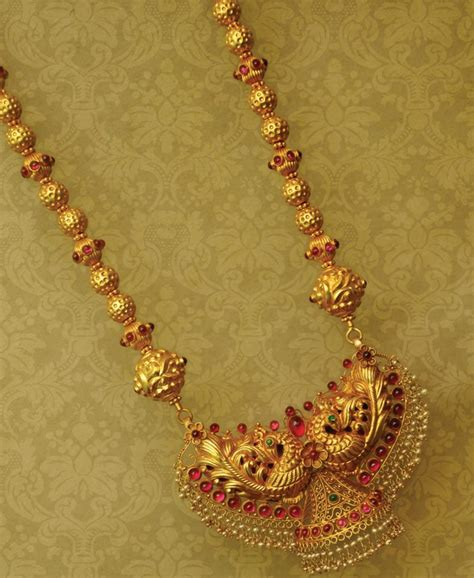 indian jewellery and clothing beautifully crafted gold