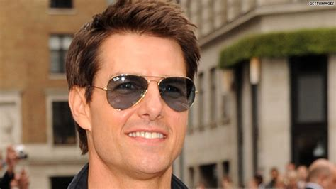 Tom Cruise Attacks Nyc Hollyscoop by Is Tom Cruise Moving To New York Hlntv