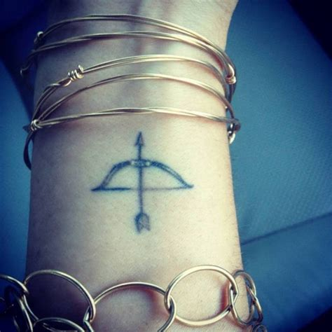 57 stylish arrow wrist tattoos