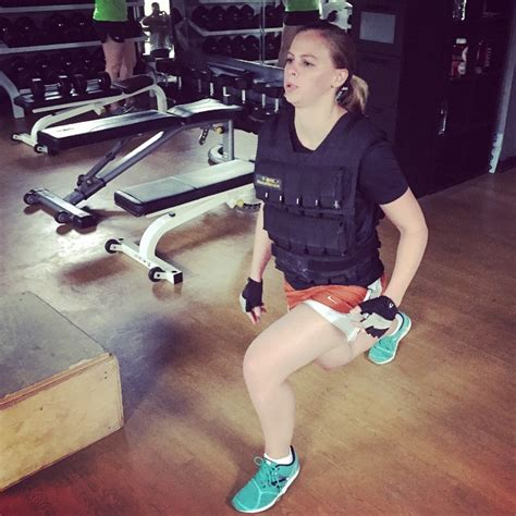 bench press vest smithtmary wearing the 70 pound vest while lunging