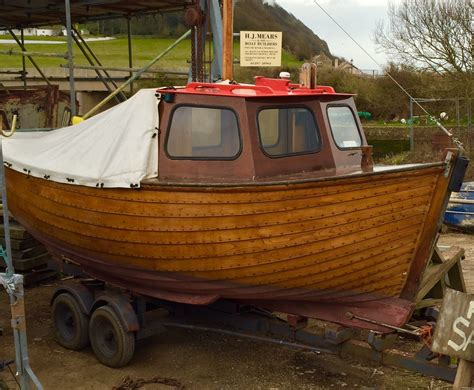 fishing boats for sale on kent coast 18ft clinker built fishing boat for sale devon
