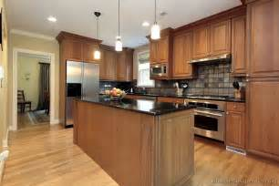 Brown Kitchen Cabinets by Pictures Of Kitchens Traditional Medium Wood Cabinets