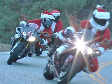 Motorrad Anmelden Und T V by Weihnachtsmann On Tour Ohne Rentiere Sondern Artgerecht