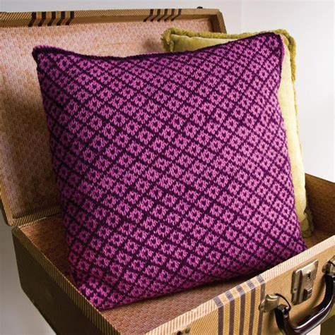 how to knit a pillow for beginners craftsy s ultimate knitting pattern roundup