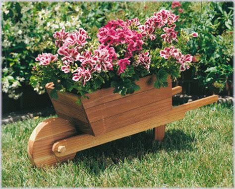 Wheelbarrow Planter Plans by Wheelbarrow Planter Plan No 879 Outdoor Plans