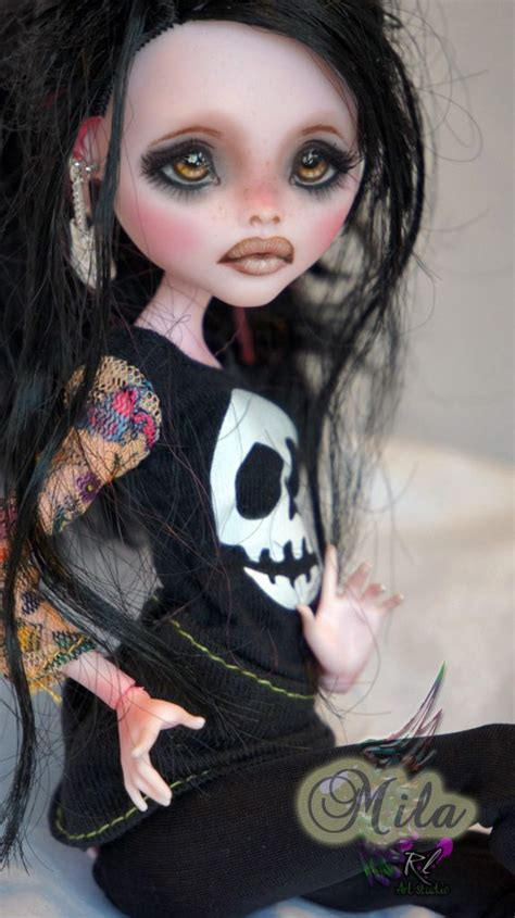the haunted doll by rogue 650 best dolls sculpture images on