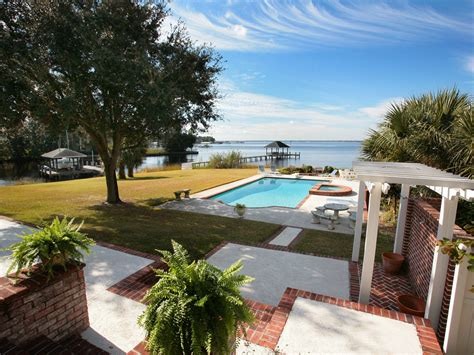 riverfront homes for sale in jacksonville florida