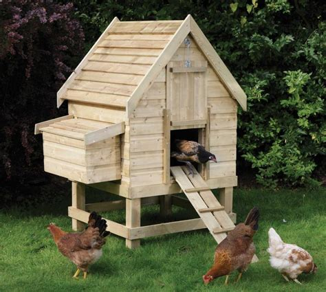 Diy Backyard Chicken Coop by Ffa On Chicken Coops Coops And Banquet