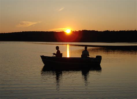 fishing boat ontario northwest ontario fishing lodges hunting outfitters