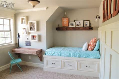 frames  shelves glue wood nails command strips decor