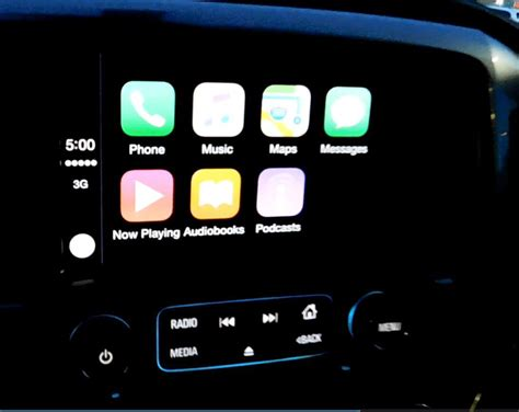 android carplay on with apple carplay android auto