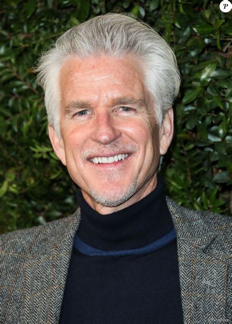matthew modine oscar matthew modine lors du d 238 ner chanel and charles finch pre
