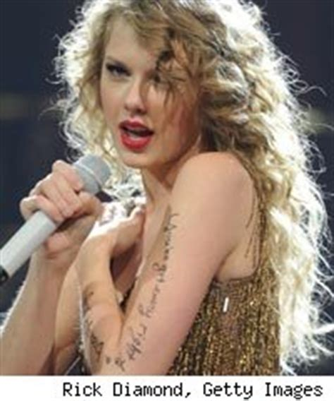 does taylor swift have tattoos s is tribute to tunesmiths